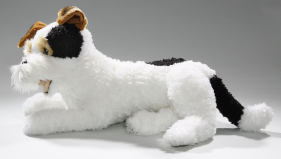 Fox Terrier liegend
